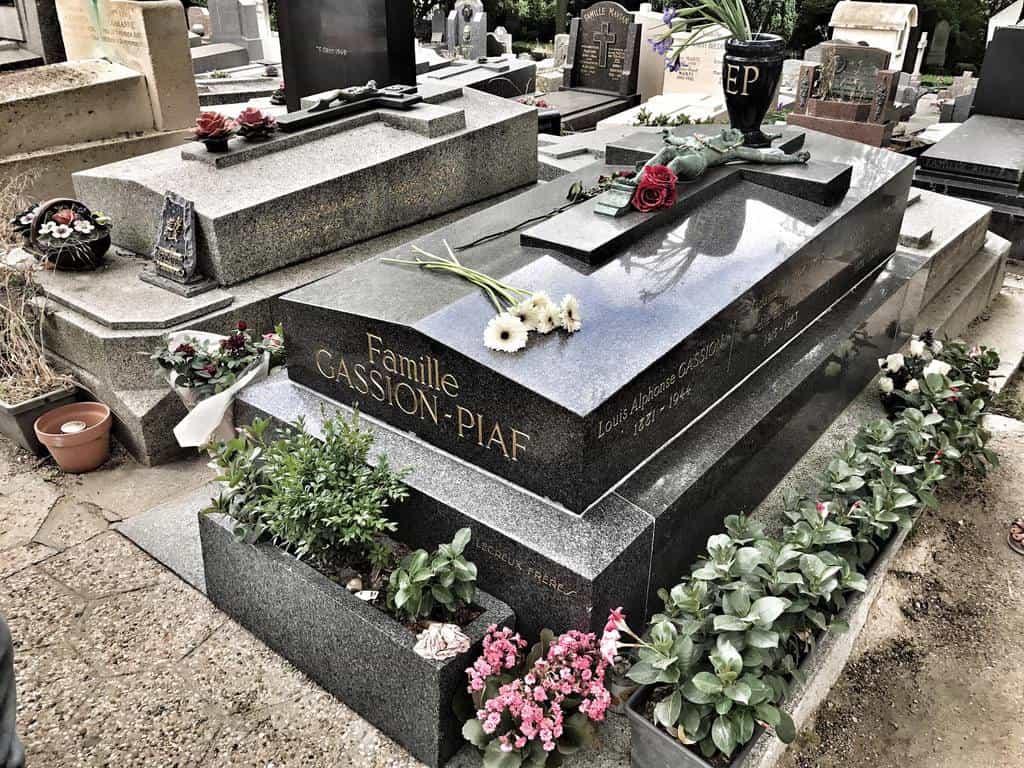 קברה של אדית פיאף. צילם: יואל תמנליס.