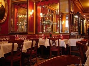 מסעדה בפריז