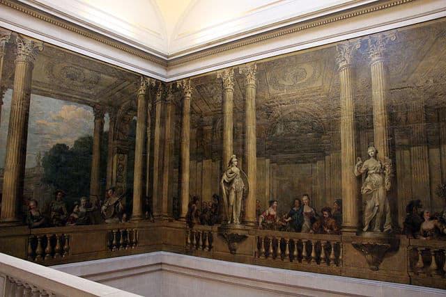 גרם המדרגות של אוטל דה לואין