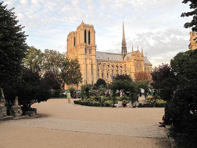 כיכר רנה וויויאני - מבט אל כנסיית הנוטר דאם