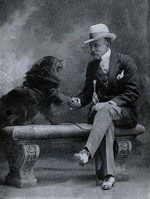 בארי וול והכלב שלו (מקור צילום וויקיפדיה)