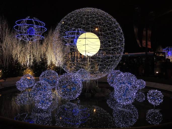 שווקי חג המולד והתאורה המיוחדת
