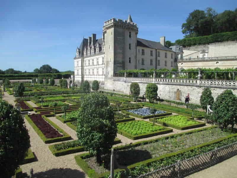 טירת וילנדרי (Château de Villandry) והגנים המפורסמים.