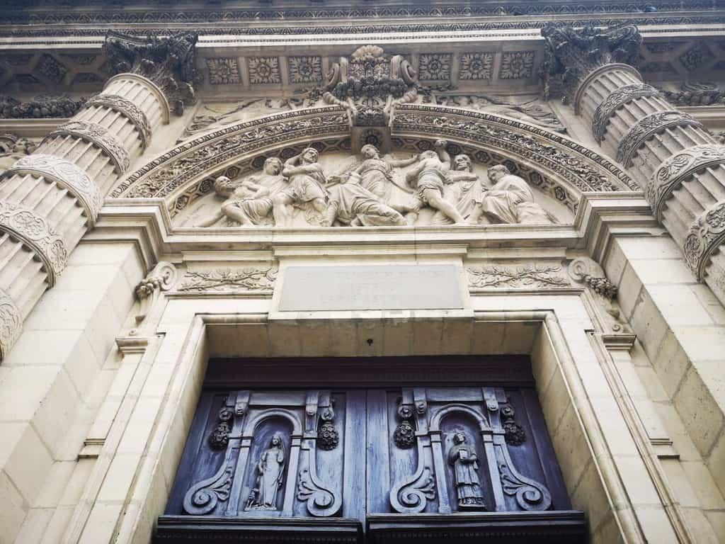 כנסיית סנט אטיין דו מונט. צילם: צבי חזנוב