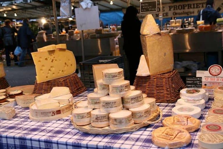 שווקים בפריז - שוק הבסטיליה. מקור צילום: ויקיפדיה.