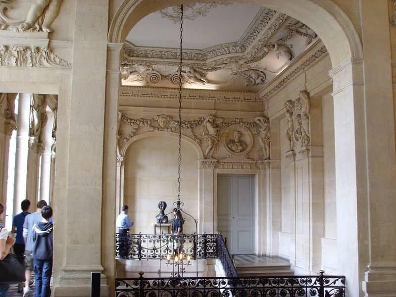 חדר המדרגות של אוטל סאלה (מוזיאון פיקאסו). מקור צילום: ויקיפדיה