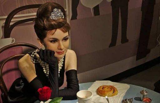 בובת שעווה של אודרי הפבורן ממוזיאון מדאם טוסו בוינה. מקור צילום ויקיפדיה.