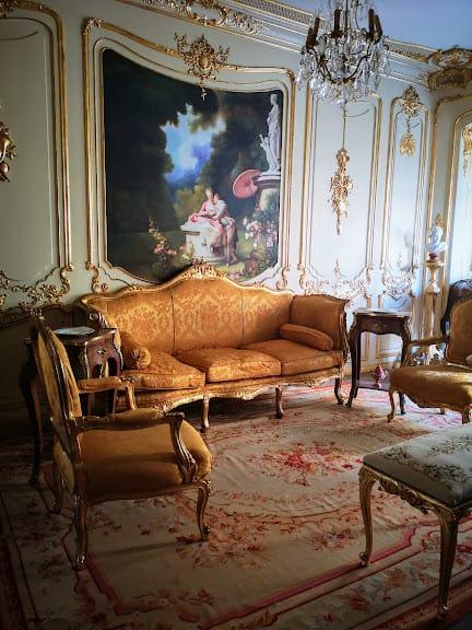 הסלון של אוטל ויולט. צילם: צבי חזנוב