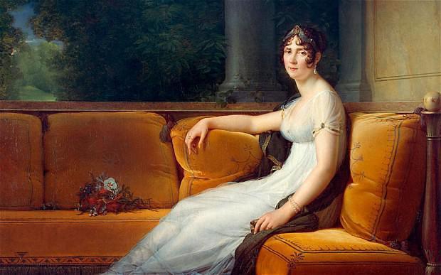 פורטרט של ג'וזפין בונאפארטה (דה-בוארה): הזמנים והמפה הפוליטית בצרפת השתנו מקצה לקצה, רק השמלה שרדה...