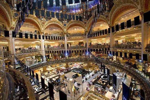 שופינג בפריז. צילום: Max Pixel