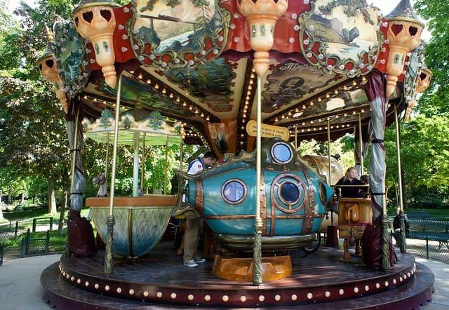 הקרוסלה בפארק מונסו - צילום Esme Vos