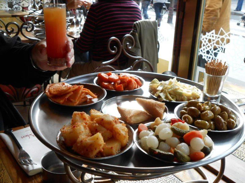 ארוחה במסעדת שה בבר