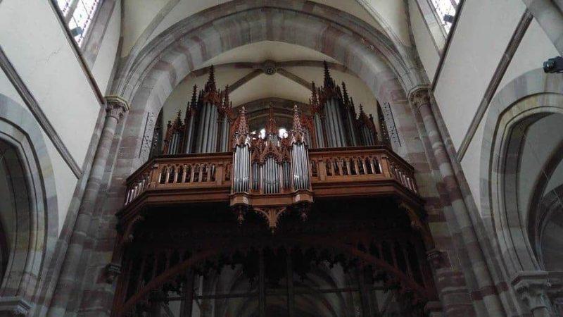 העוגב של כנסיית סן פייר סן פול באוברניי