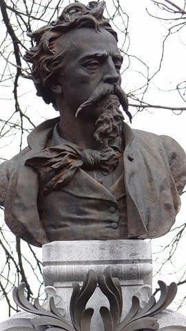 דיוקן של ז'אן בטיסט קארפו שמהווה את פסל המצבה שלו