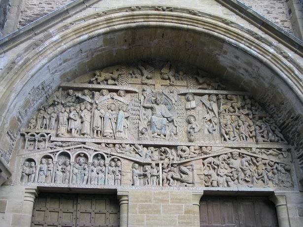 הטימפנון המרשים מן המאה ה-12 המתאר את יום הדין האחרון