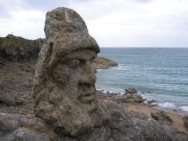 פסל ראש של האב פורה