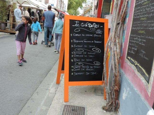 תפריט של מסעדה טיפוסית בחבל קמארג
