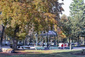 גן ראנלאג – סיור בגן פסלים ירוק, גן עדן שהזמן עומד בו מלכת