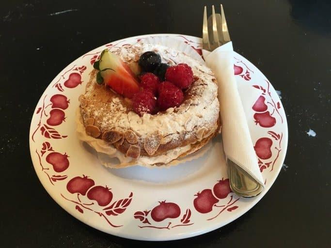עוגת הפרי-ברסט של ויקטור הוגו