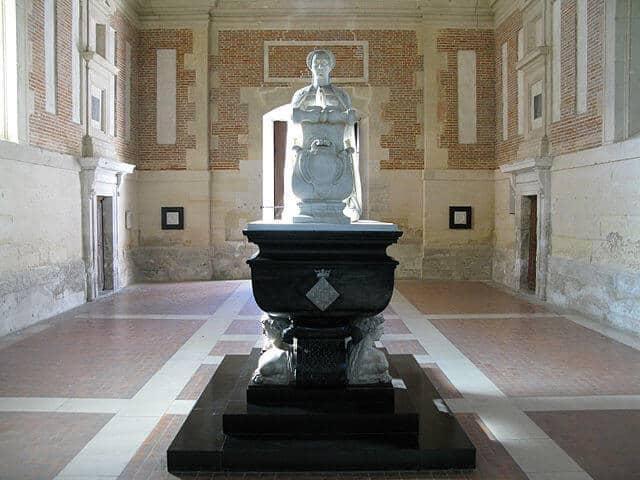 קברה של דיאנה דה פואטייה - מקור צילום וויקיפדיה