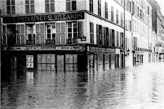 קפה אקווריום סגור לרגל הצפה (מקור צילום דף הפייסבוק PARIS 1910)
