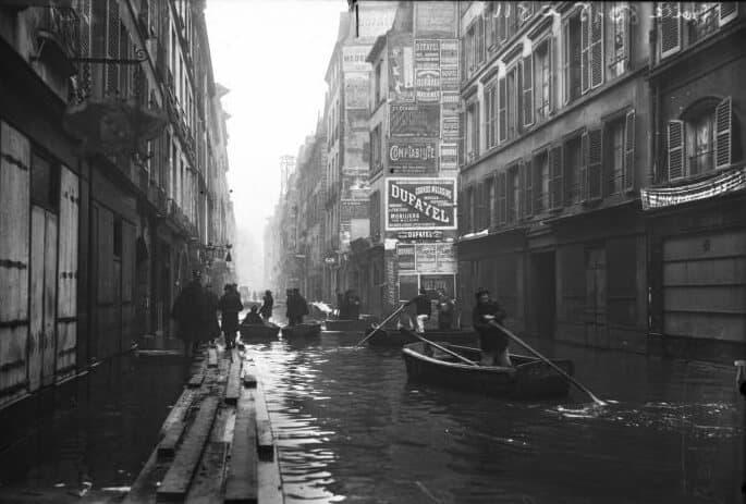רחוב הסיין (rue de Seine) או שמא צריך לומר שהסיין הפכה לרחוב? מקור צילום ויקיפדיה