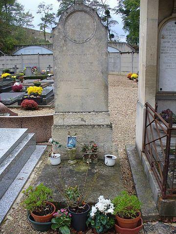 קיברה של אליזבת' ויז'ה לברון בלובסיין. מקור צילום ויקיפדיה.