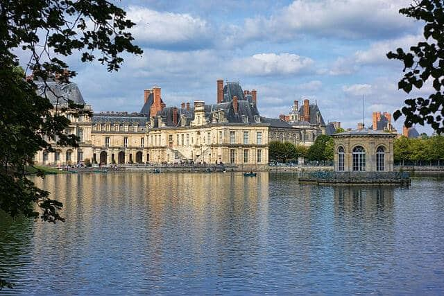 ארמון פונטנבלו - המקום האחרון בו אנרי ה-4 ראה את המאהבת שלו בחיים.