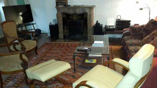 הסלון בדירת הנופש ברחוב Des Archives