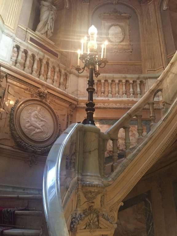 חדר המדרגות המפואר בארמון של לה פאיבה. צילם: רונן סאס