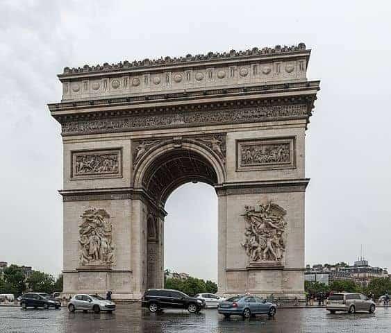 שער הניצחון בכיכר האטואל (צילום מכיוון מערב). מקור צילום: ויקיפדיה.