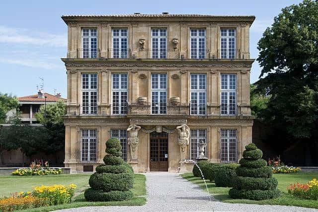 """פביון ונדום (Pavillon Vendôme) הממזר המלכותי,המאהבת והוילה המפוארת מאת ד""""ר אורנה ליברמן"""
