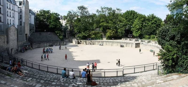 זירות השעשועים של לוטציה שברחוב מונז'. צילם Shadowgate. מקור צילום ויקיפדיה