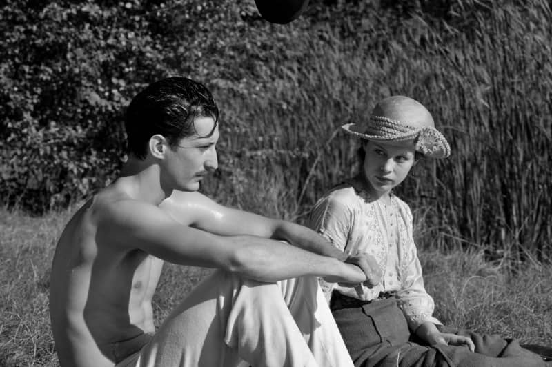 השחקנים פאולה בר ופייר ניניי. תמונה באדיבות סרטי נחשון