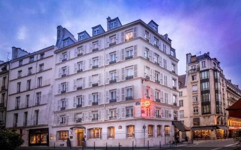 מלון Louis II - לא רחוק מכנסיית סן סולפיס ברובע ה-6 בפריז. מקור תמונה אתר המלון.