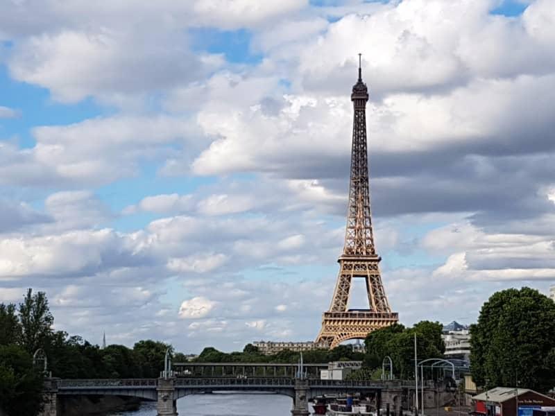 האור והשמים של פריז