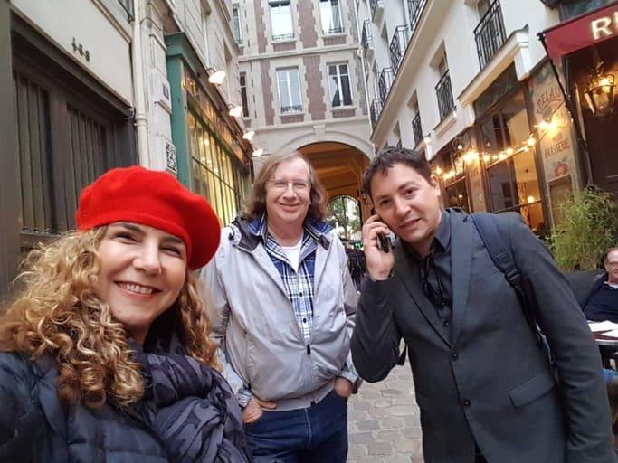 ענת מיזהר, יואל תמנליס והפרנקופיל שנתפס בעת קיום שיחת טלפון עם מארי אנטואנט