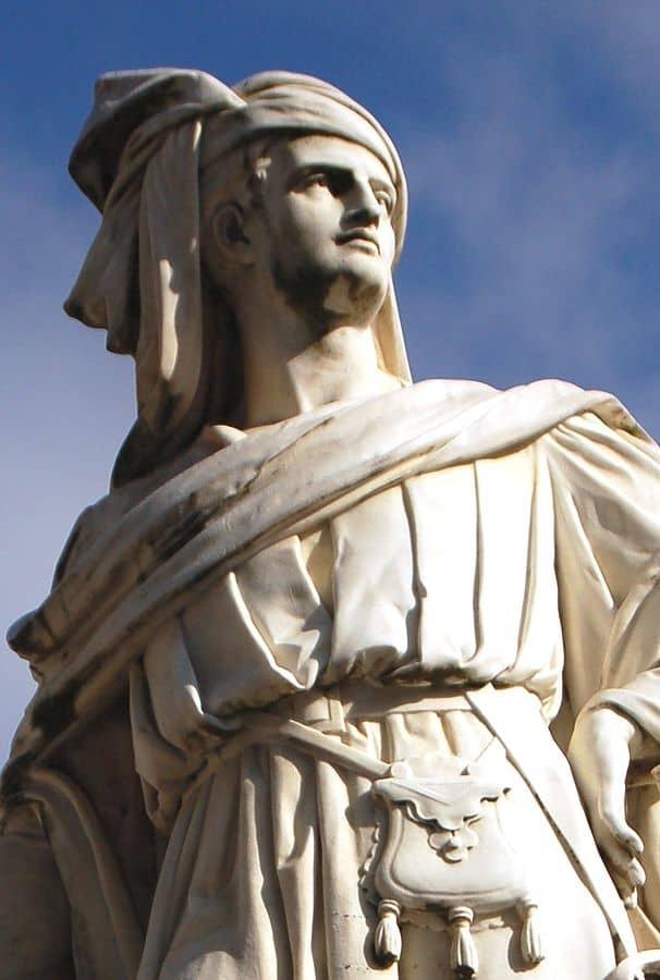 אוגוסט פרולה, פסלו של ז'אק קור, 1874, שיש, בורז'. מקור צילום: ויקיפדיה.