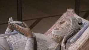 קברה של אלינור מאקוויטניה במנזר פונטברו. מקור תמונה: ויקיפדיה.