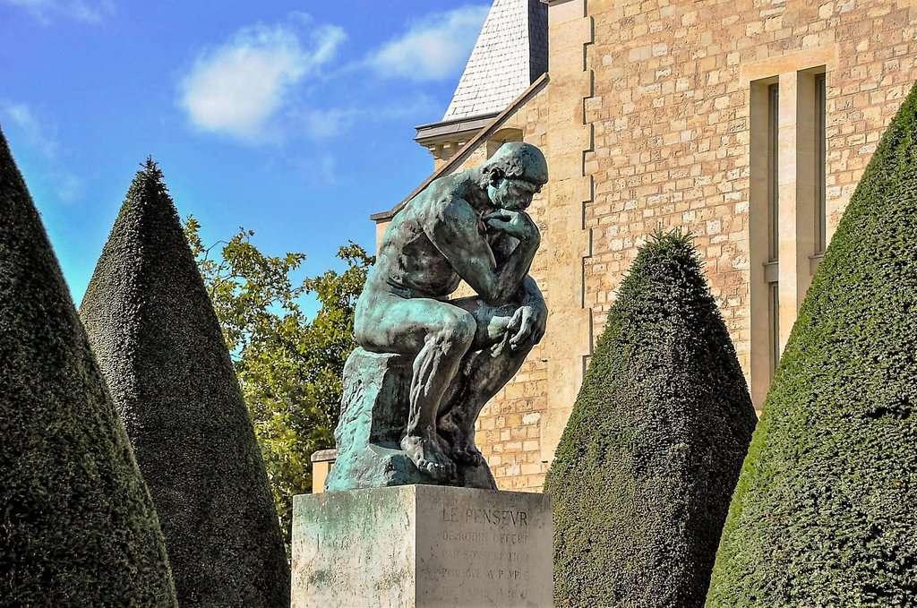 """פסל """"האיש החושב"""" מאת רודאן. צילם: יואל תמנליס"""