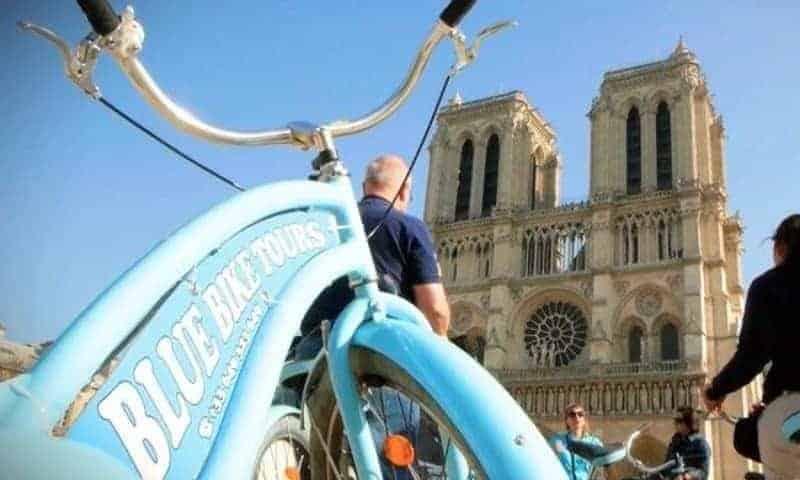 המיטב של פריז - סיור אופניים שעובר בין השאר ליד כנסיית הנוטרדאם. צילום: MUSEMENT