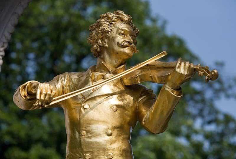 פסלו של יואהן שטראוס בוינה. צילם: Jorge Royan