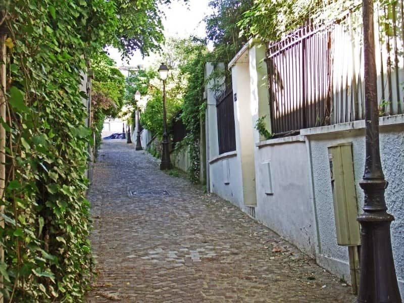 אחד הבתים ברחוב מואזאיה
