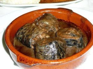 אין מצב שאני אוכל את זה! או אוכל צרפתי שרק פרנקופילים מתקדמים יסכימו לגעת. בתמונה: נחש ים. מקור צילום: ויקיפדיה.