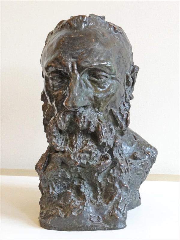 פסלו של אוגוסט רודאן מאת קאמי קלודל. מוזיאון רודאן. מקור צילום: ויקיפדיה.