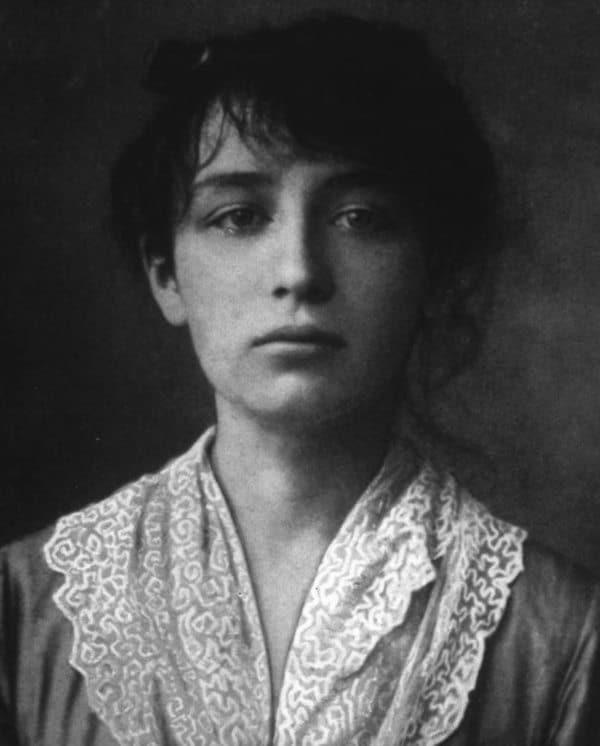 קאמי קלוד בת 20. מקור צילום: ויקיפדיה.