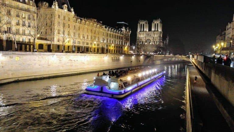 שייט על הסיין – לגלות את פריז באמצעות באטו מוש