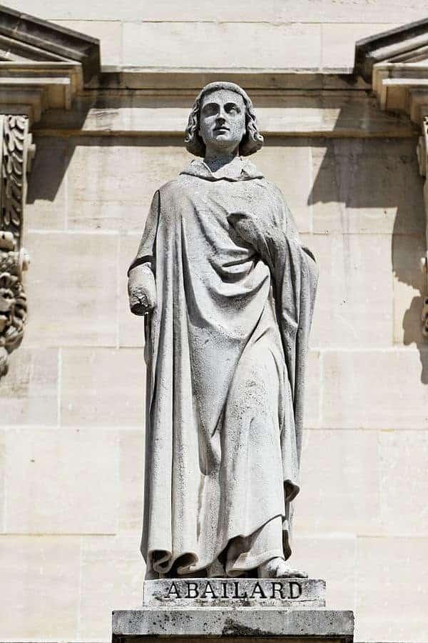 פסלו של אבלר שנמצא היום במוזיאון הלובר. מקור צילום: ויקיפדיה.