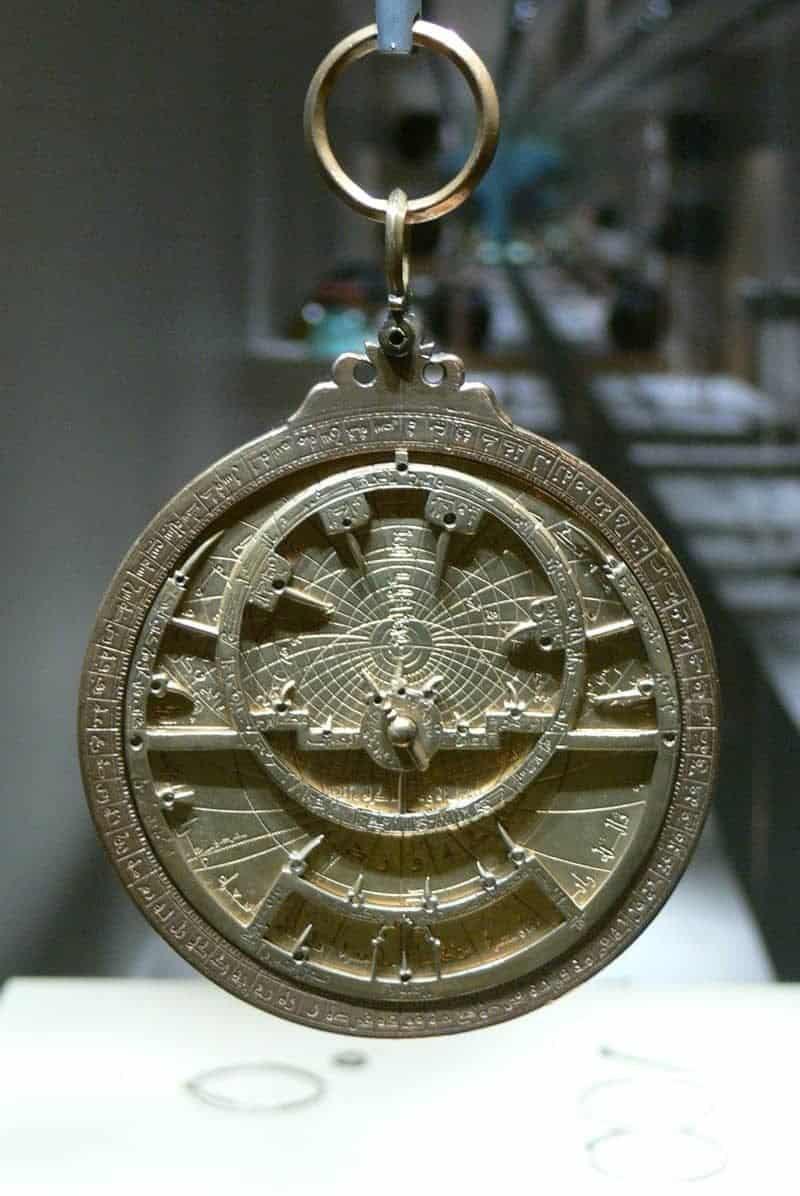 מכשיר אסטרולב. מקור צילום: ויקיפדיה.