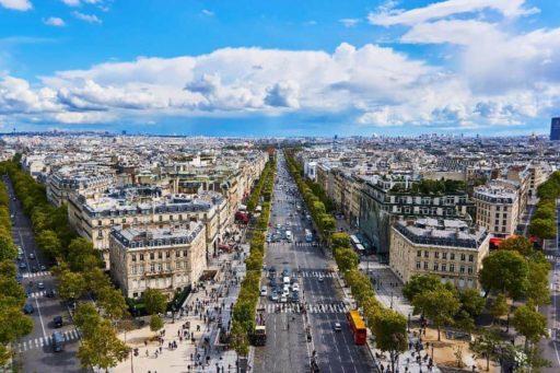 """דירות מומלצות ברובע ה-8 בפריז (השאנז אליזה, שער הניצחון ובית חב""""ד)."""